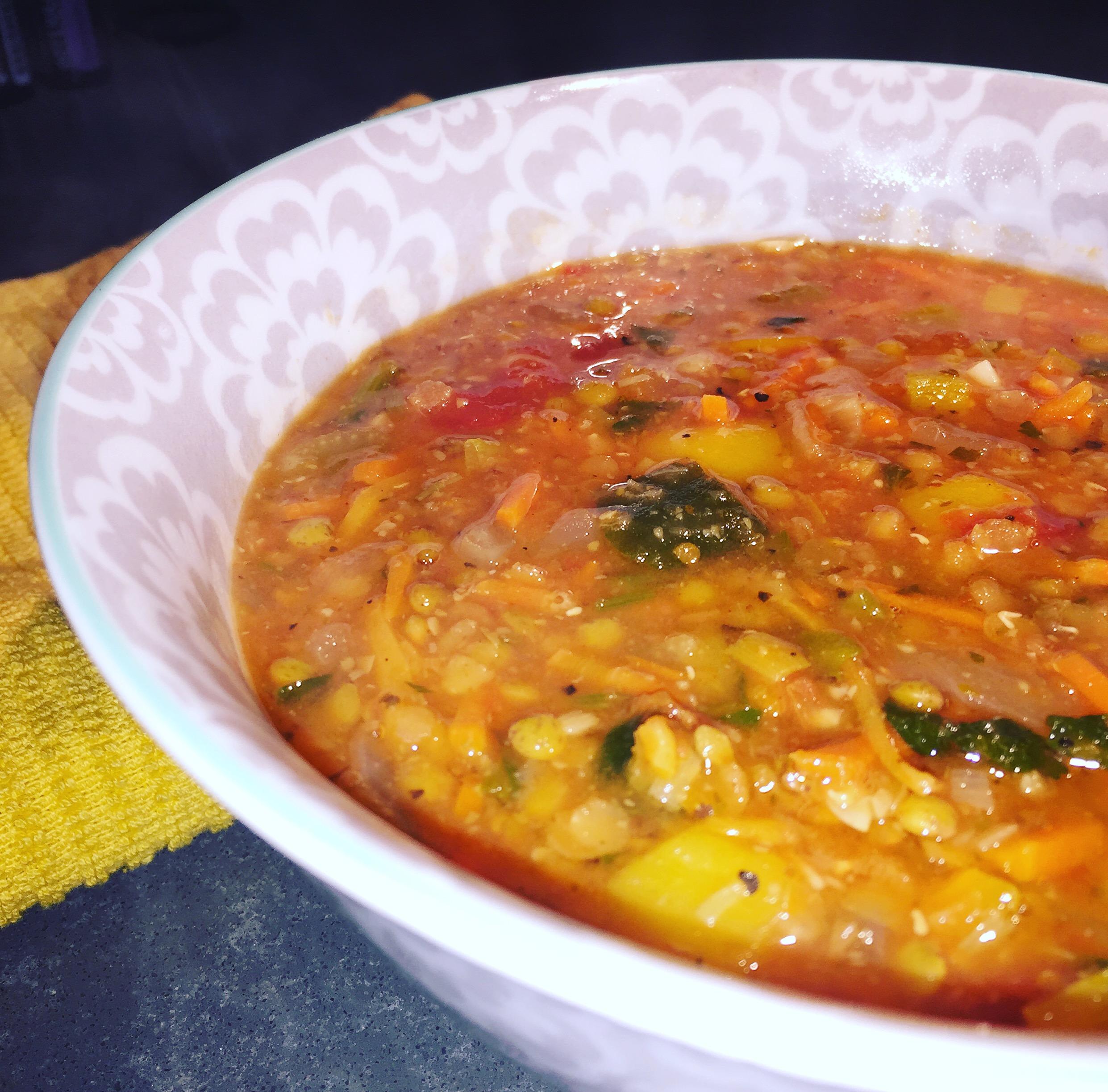 soup sundays: lemony lentil soup