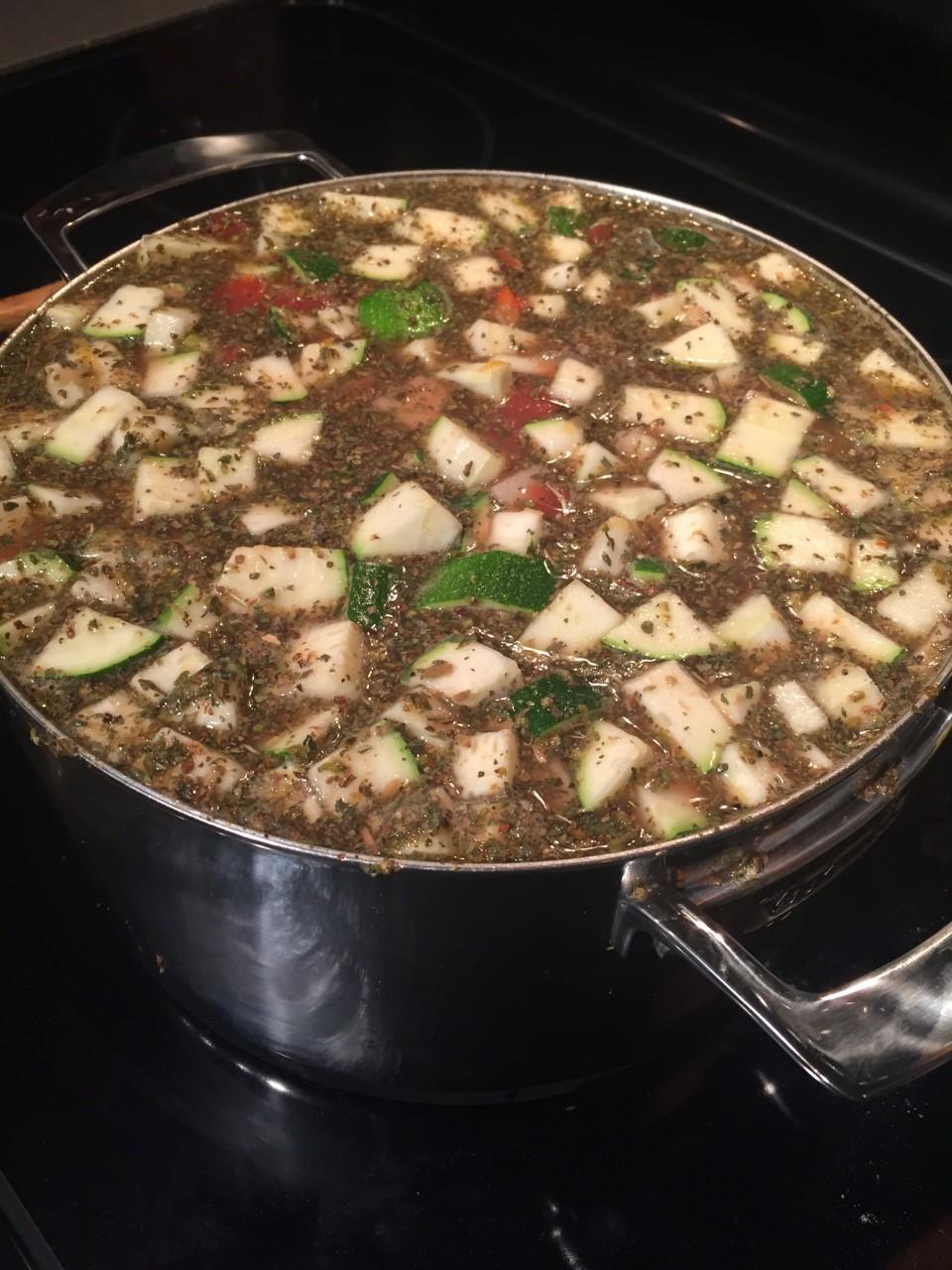 Minestrone Soup: www.eatbreathelove.net