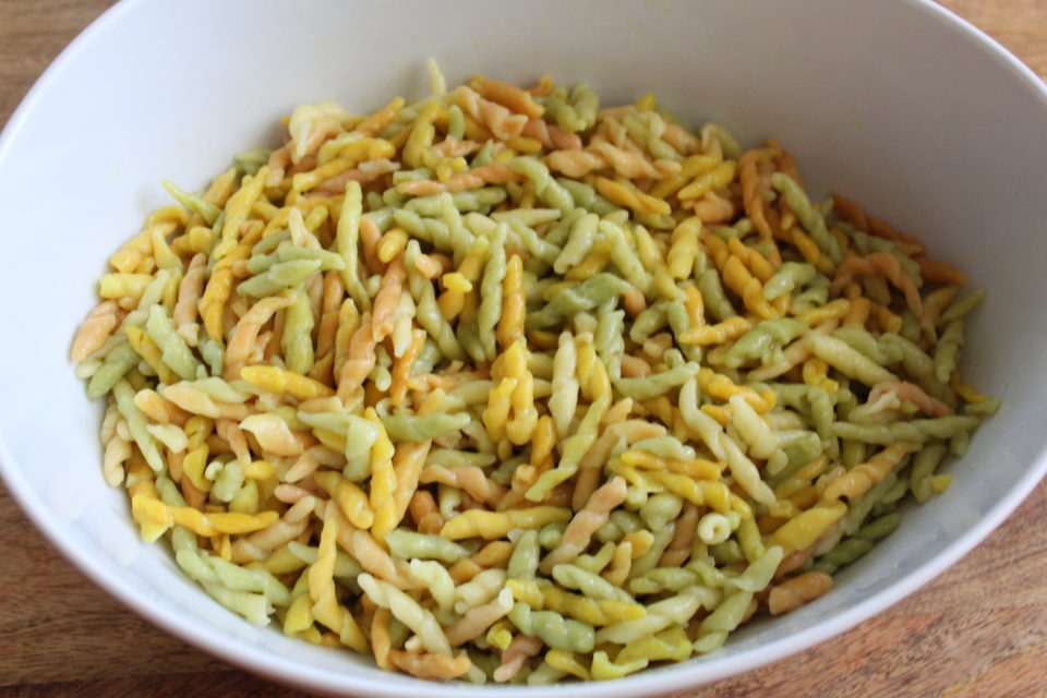 https://eatbreathelove.net/greek-pasta-salad/