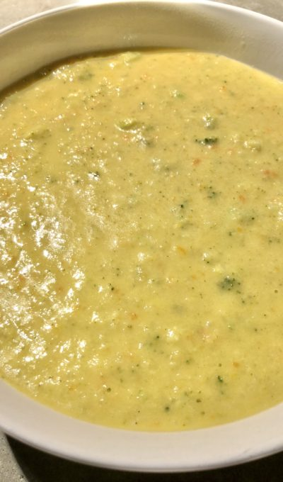 Soup Sundays: Broccoli Cheddar Soup